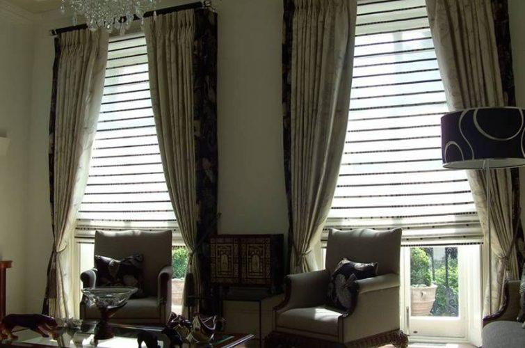 Drawing room curtains with sun blinds